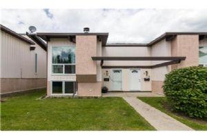 134 OAKTREE LN SW, Calgary