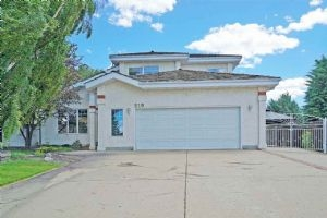 210 RONNING Close, Edmonton