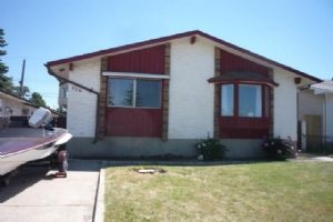 836 MARLBOROUGH WY NE, Calgary