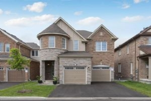 SOLD • 8 Fenchurch Dr