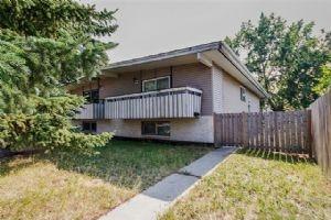 5606 PENSACOLA CR SE, Calgary