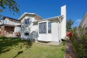 18044 98 Avenue, Edmonton