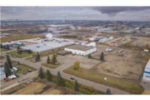1810 66 AV , Edmonton