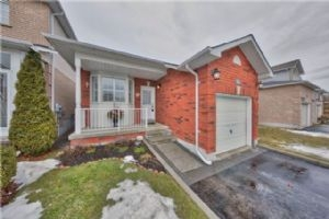 203 Richfield Sq, Clarington