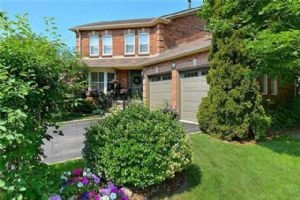 6641 Mockingbird Lane, Mississauga